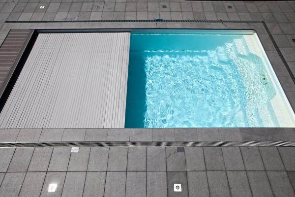 NAUTILUS-Pool ERATO 800 x 380 x 150 cm mit Unterflur-Rollladen