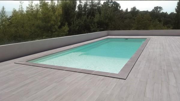 GFK-Pool PLAISANCE 7 mit Wärmepumpe, Oberflur-Rolladen und Technik 700 x 300 x 146 cm